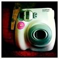 กล้องโพลารอยด์ fujifilm instax mini 7S สีชมพูในราคา 2000 B