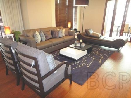 Penthouse Ruamrudee Duplex Suite: 3 BR + 4 Baths, 440 Sq.m for Rent รูปที่ 1