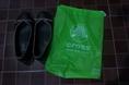 ขายรองเท้าcrocs  เบอร์11 ส่งฟรีแบบEMSค่ะ ถูกกว่าในshop ชัวร์!!!!