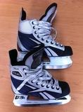 ขายรองเท้า ice skate Rbk ใช้งานแค่ 3 ครั้ง(รวมตอนลองใส่แล้ว)