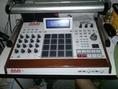 ขายเครื่องทำเพลง workstation. ยี่ห้อ akai รุ่น mpc Ren ตัวล่าสุด.