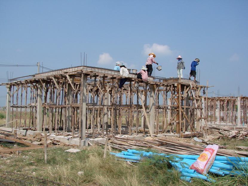 รูปภาพ    รับเหมา ก่อสร้าง และต่อเติม ซ่อมแซม บ้าน อาคาร โรงงาน  โครงหลังคา - กันสาด อลูมิเนียม - กระจก เหล็กดัด - มุ้งลวด  งานปูกระเบื้อง พื้น - ผนัง งานทาสี ภายใน - ภายนอก    ติดต่อคุณ วิเชียร หมายเลข 081-6387842 ,02-9918773