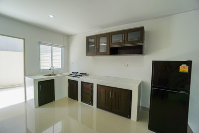 FOR RENT TOWNHOUSE TOWN HOME IN PLAI LEAM KOH SAMUI 2 BEDROOM FULLY FURNISHED  รูปที่ 1