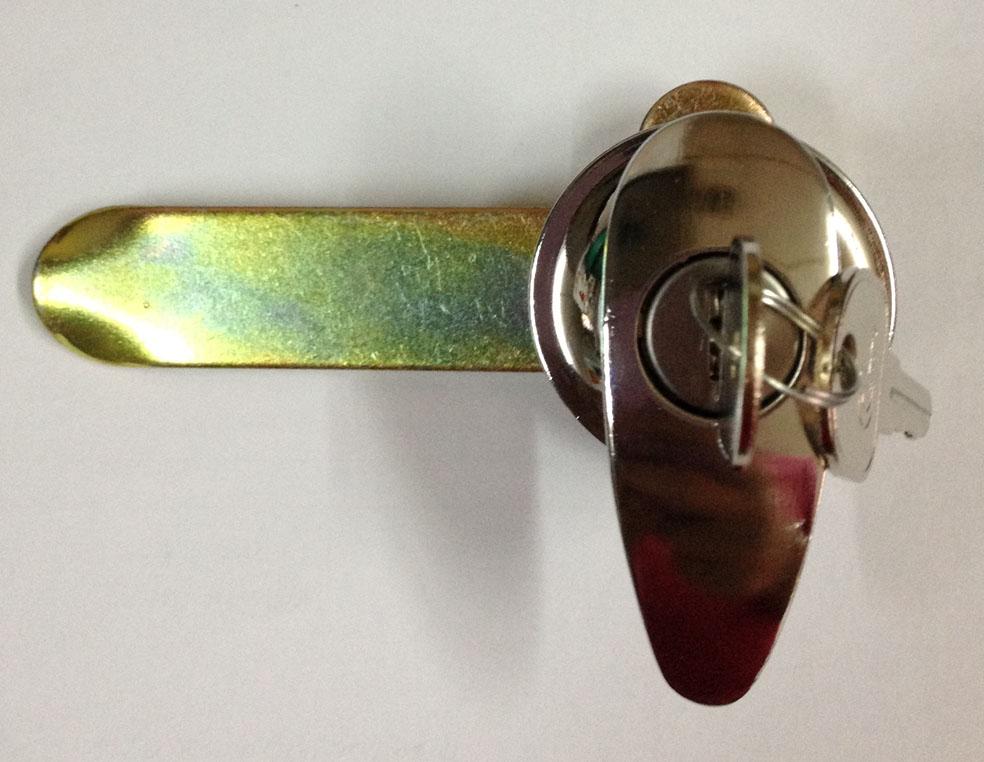 พีริชเทรดดิ้ง จำหน่ายฮาร์ดแวร์ประตู หน้าต่าง  กุญแจตู้ CL ประตูเหล็ก ขาบานเกล็ดแบบมือโยก มือหมุนบานเกล็ด คานผลักประตู รูปที่ 1