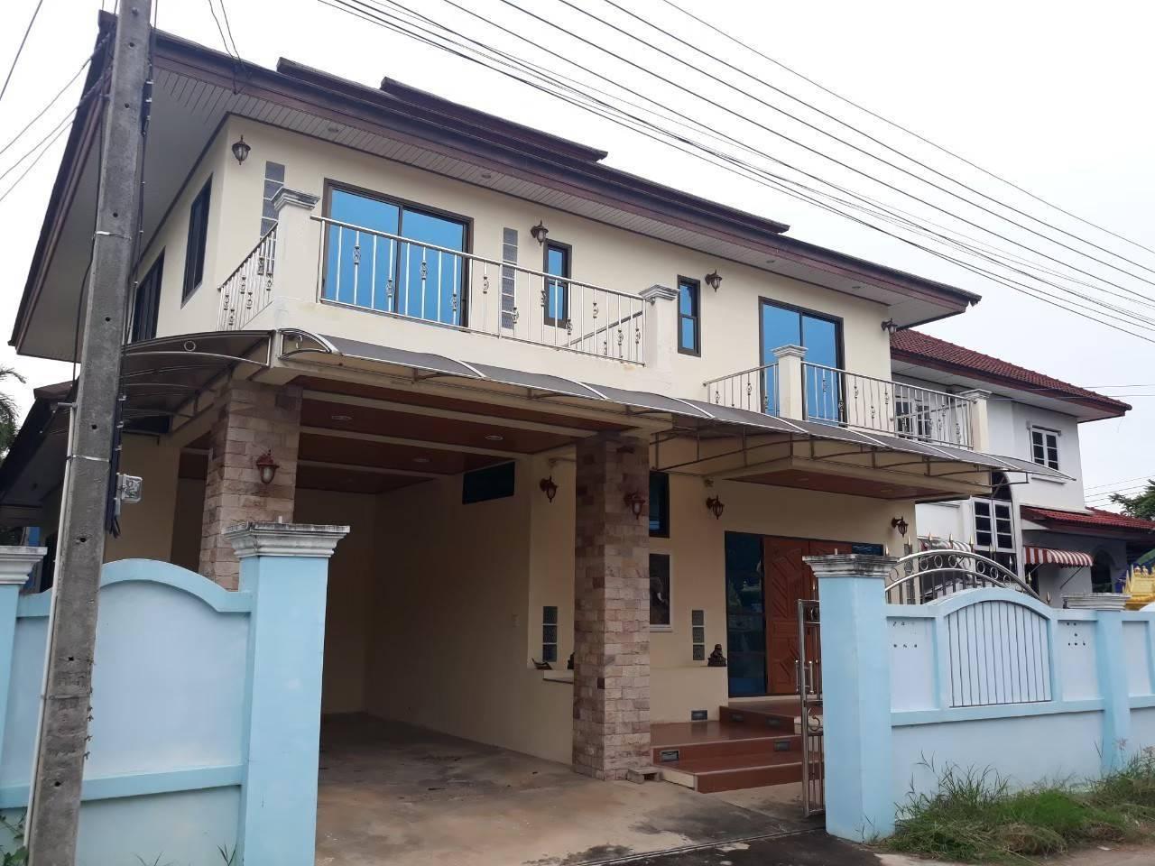 ขายบ้านเดี่ยว ซอยบ้านปรก 18 เนื้อที่ 54 ตร.ว. มี 3 ห้องนอน 3 น้ำ บ้านสวยราคาถูก รูปที่ 1