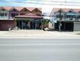 ขายด่วน บ้าน 2 คูหาติดกันทบ้านสวยทำเลงามย่านเเหล่งธุระกิจ ติดถนนสายอ่างทอง-อยุธยา